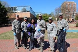 Campus cleanup volunteers