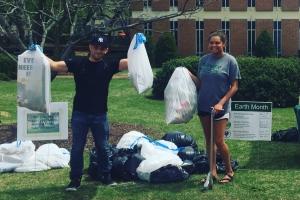 Campus cleanup participants